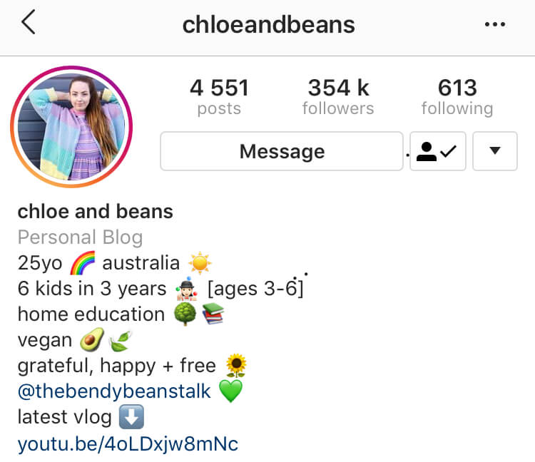 Instagram bio example: Chloe and Beans