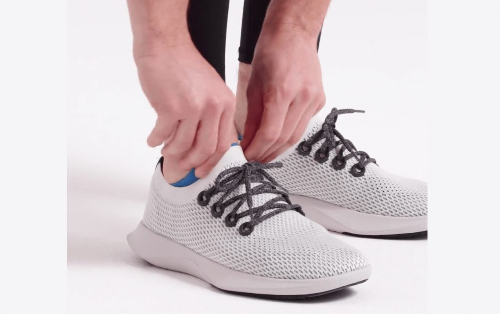 Allbirds using the close-up Shopify product video
